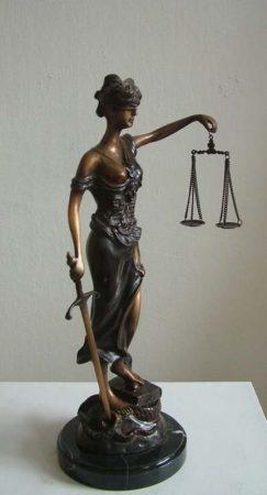 Justitia szobor /44 cm bronz/