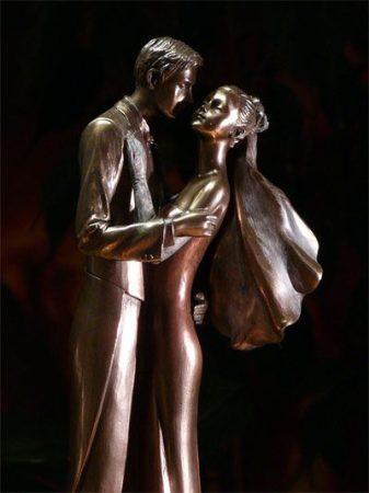 Szerelmespár szobor