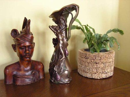 Nőalakos váza