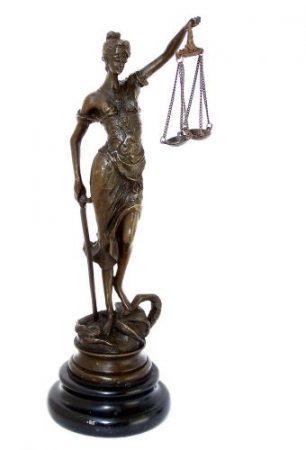 Justitia bronz szobor 23 cm