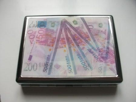 Képváltos cigarettatárca  /font és euro képes/