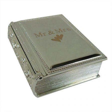 Esküvői könyv formájú kis doboz