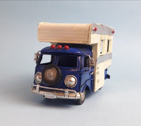 Fém mikrobusz