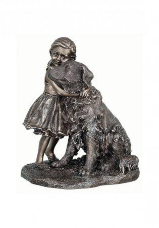 Kislány a kutyával szobor