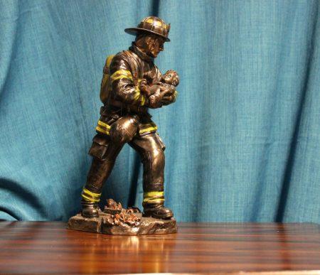 Tűzoltó szobor