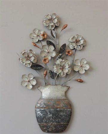 Fám fali dísz : virágok vázában
