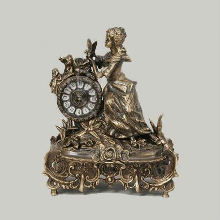 Virtus Madrid bronz szobor és óra